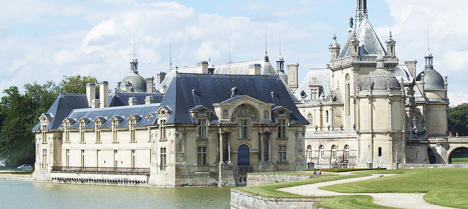 Chantilly Castle & Chantilly Stables